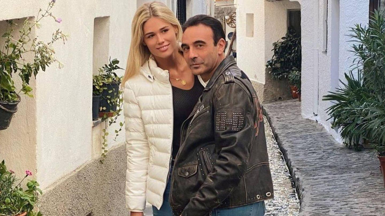 Enrique Ponce y Ana Soria, durante un paseo en pareja. (@enriqueponce)