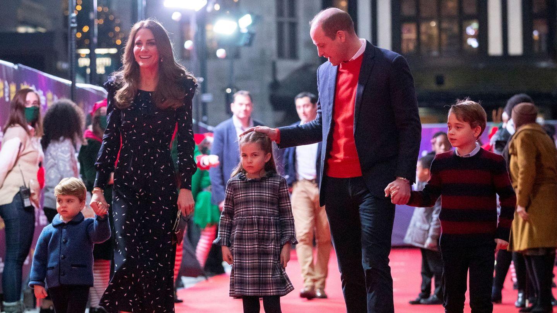 Guillermo y Kate siguen las tradiciones navideñas con sus hijos. (Reuters)