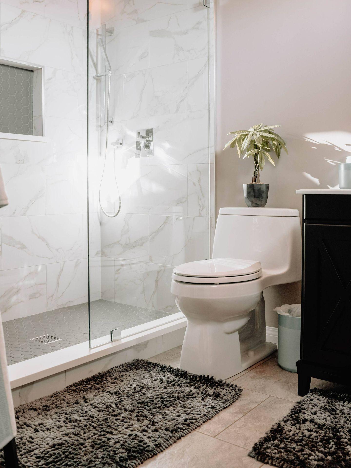 Claves para limpiar baños y azulejos. (99.films para Unsplash)
