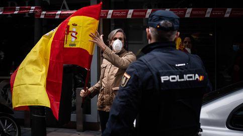 Mucha policía, poca restricción: la 'revuelta' en el barrio de Salamanca crece sin control