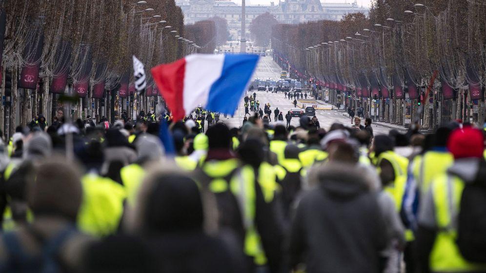 Foto: Protesta de los 'chalecos amarillos' en París, el 15 de diciembre de 2018. (EFE)