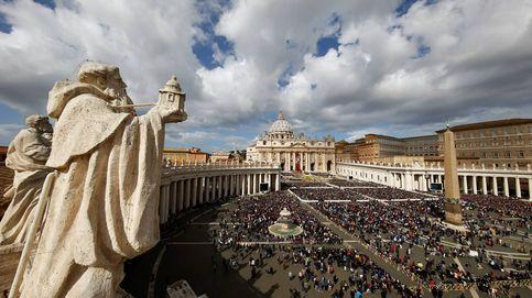 El ejército de 'sintecho' que vive a la sombra de la columnata del Vaticano