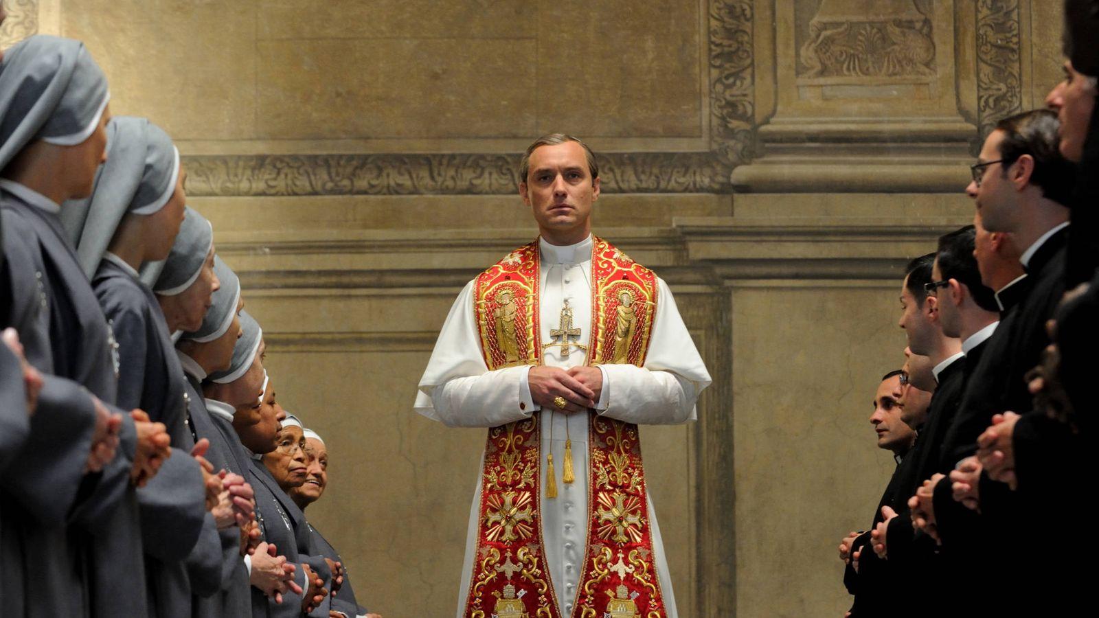 Foto: Jude Law protagoniza la serie 'The Young Pope' (Foto: Gianni Fiorito)