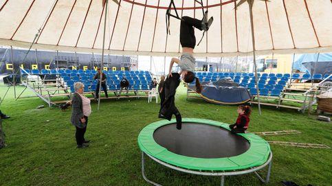 El circo que no pudo salir de Galicia por la alarma y que ahora ofrece funciones gratuitas
