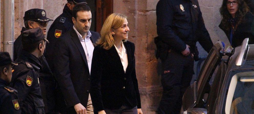 Foto: La Infanta abandona los juzgados tras 6 horas de declaración. (EFE)