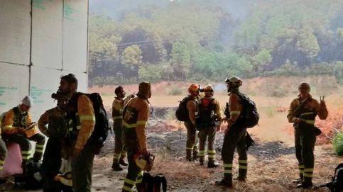 Un fuego en Ávila alcanza el nivel dos de riesgo y corta la carretera de Castilla y León