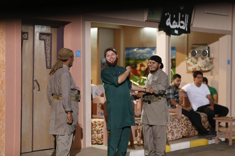 Foto: Rodaje en Bagdad de la serie iraquí El Estado Mítico, que se burla de los yihadistas. Estos cómicos ponen en riesgo su vida (Reuters).