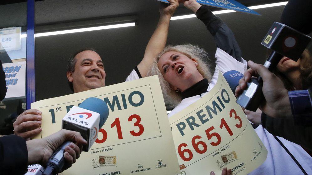 Foto: Los loteros de Madrid que han vendido el Gordo (EFE)