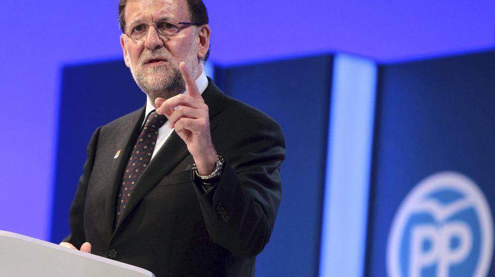Foto: El presidente del Gobierno y candidato del PP a la reelección, Mariano Rajoy, durante su intervención en el mitin central de su campaña en Aragón. (Efe)