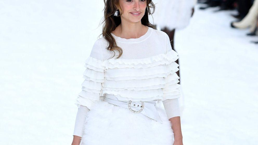 Consigue el look polar de Penélope Cruz en el desfile de Chanel