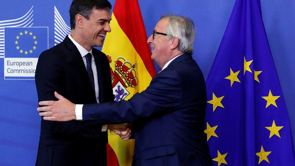 Foto: Pedro Sánchez y Jean-Claude Juncker. (Reuters)
