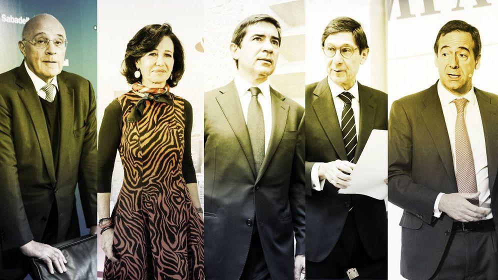 Foto: De izquierda a derecha, Josep Oliu (Sabadell), Ana Botín (Santander), Carlos Torres (BBVA), José Ignacio Goirigolzarri (Bankia) y Gonzalo Gortazar (CaixaBank). (EC-EFE)