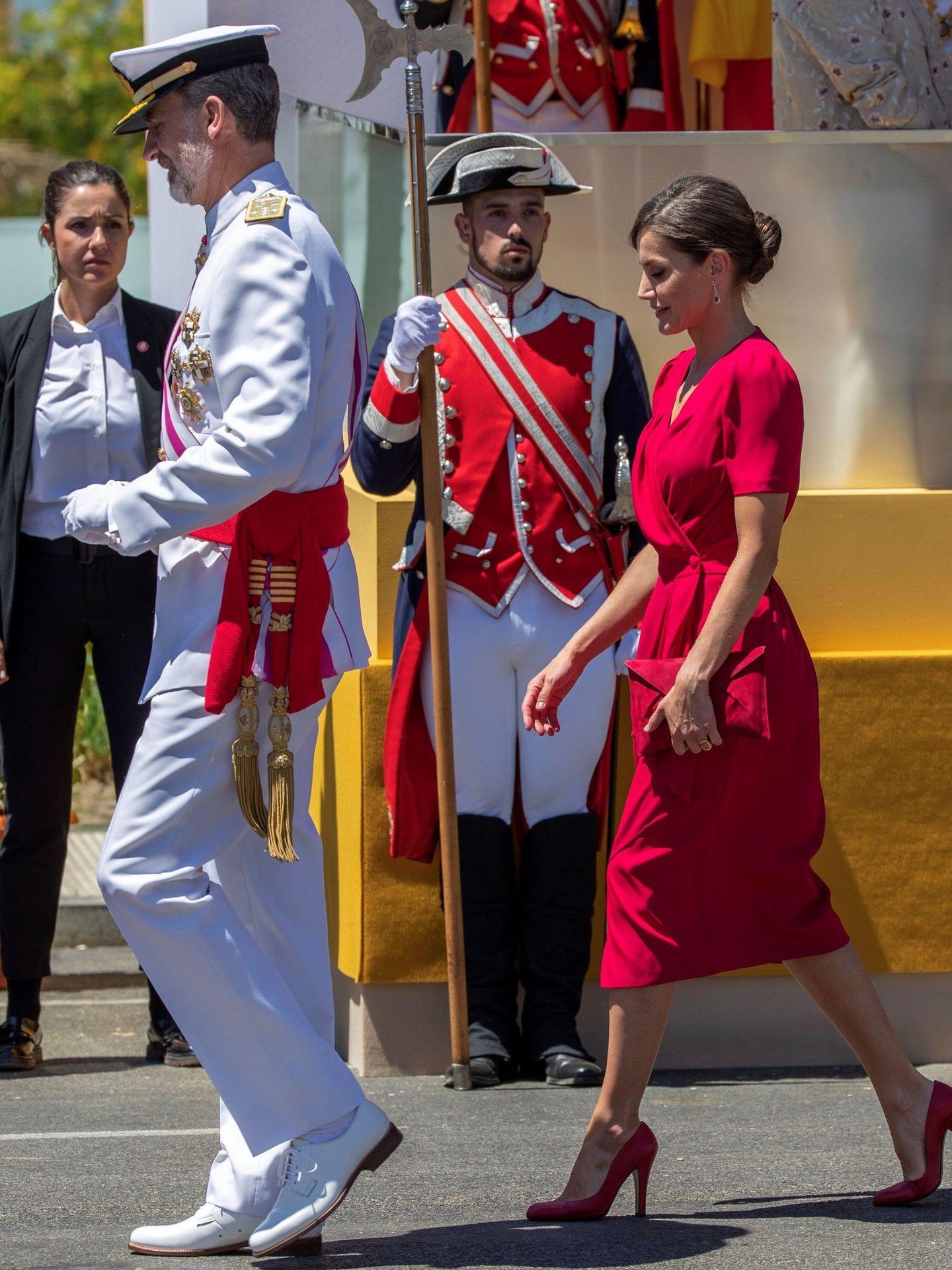 Los Reyes, en Sevilla en el desfile del Día de las Fuerzas Armadas de 2019. (EFE)