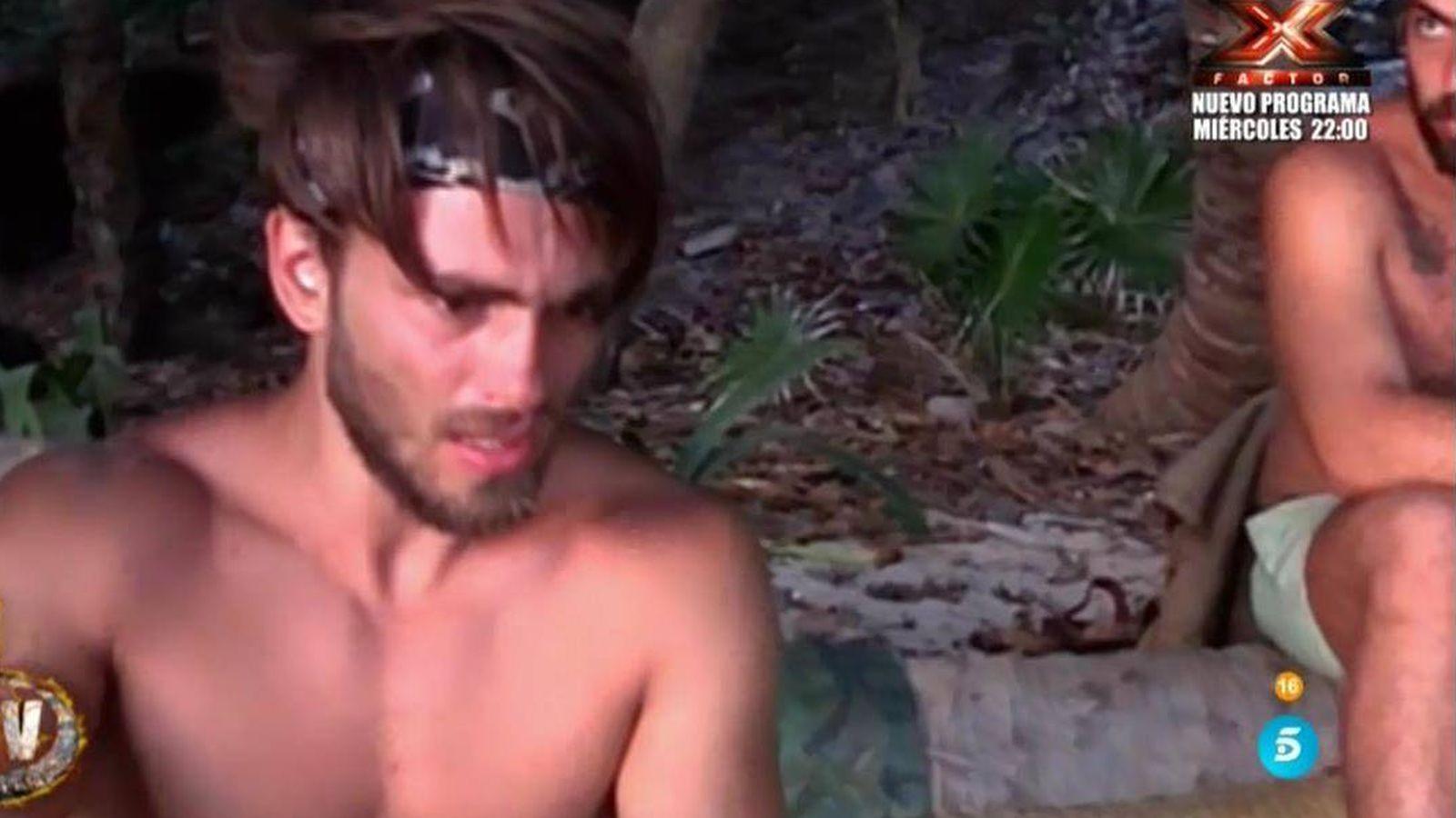 Foto: El ataque de ansiedad de Sergio en 'Supervivientes'. (Telecinco)