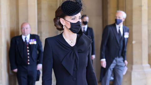 Las pruebas que demuestran que las perlas son la estrella en el joyero de Kate Middleton