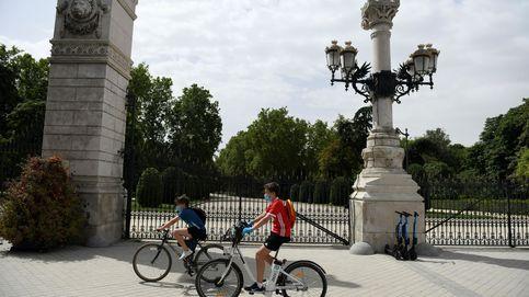 Madrid cierra sus parques por la noche y adelanta la clausura de las piscinas