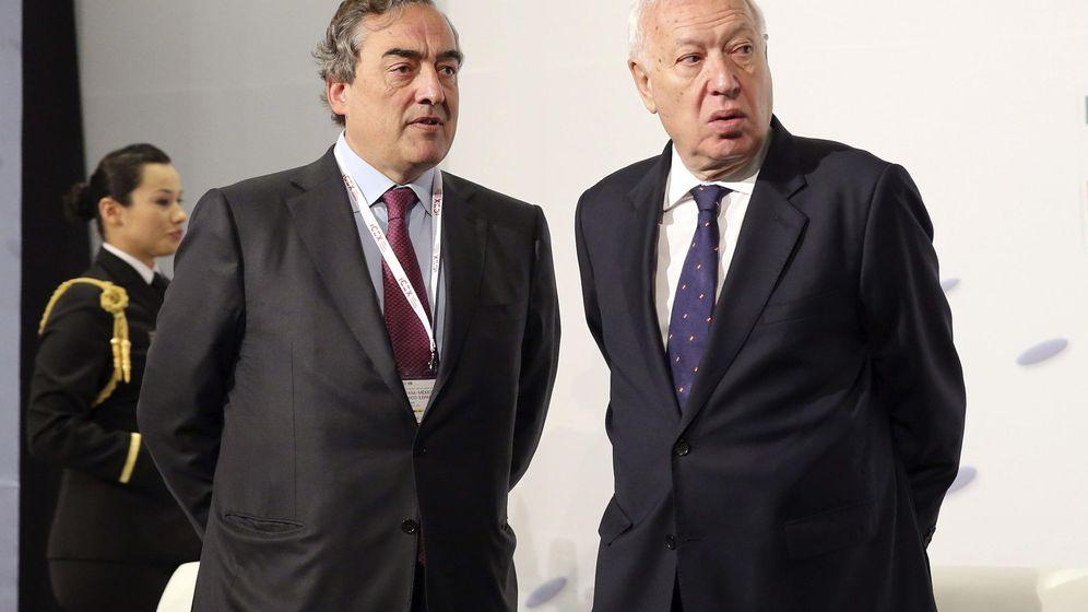 Foto: Juan Rosell, junto al ministro de Exteriores, José Manuel García-Margallo. (EFE)