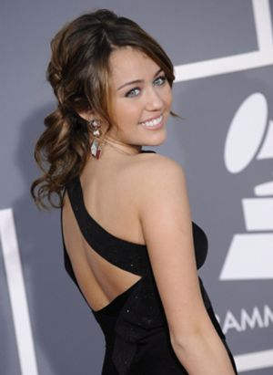 Miley Cirus podría convertirse en Batgirl