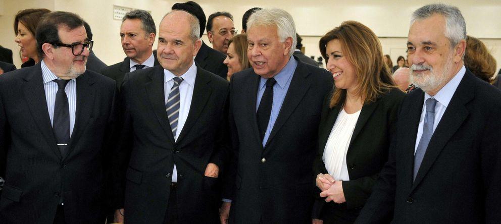 Foto: Felipe González, con los expresidentes andaluces Rodríguez de la Borbolla, Chaves y Griñan, y Susana Díaz.