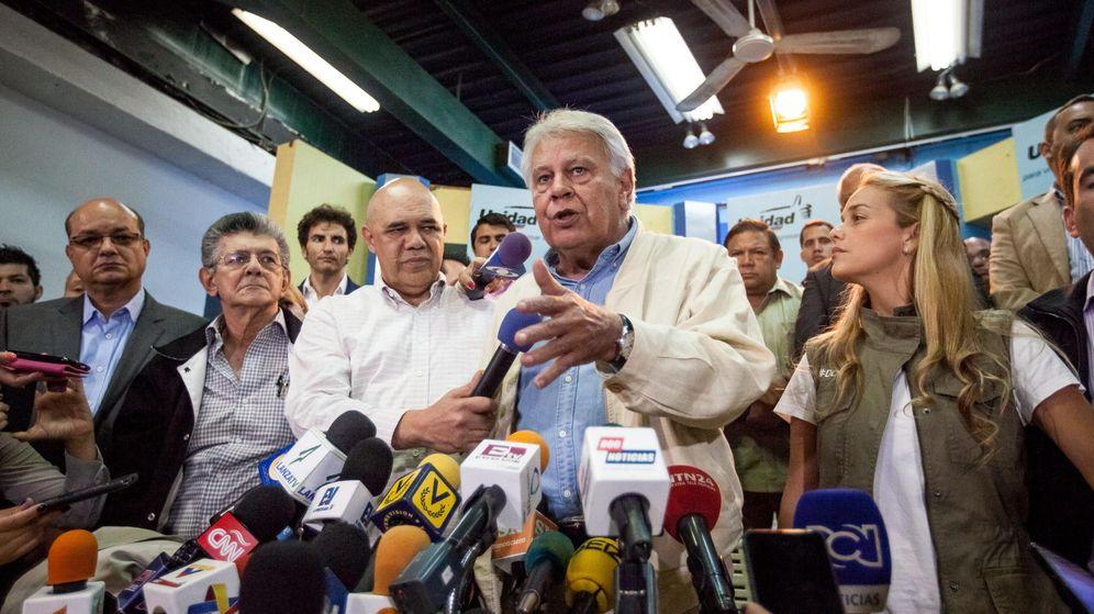 Foto: El expresidente del Gobierno Felipe González a su llegada a Caracas. (EFE)