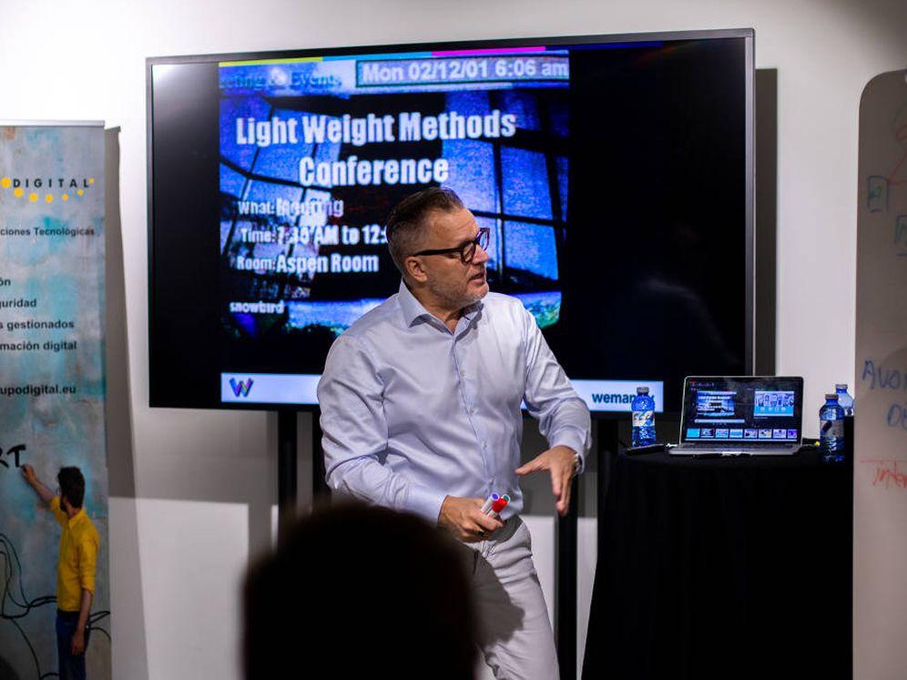 Foto: Arie Van Bennekum durante su charla