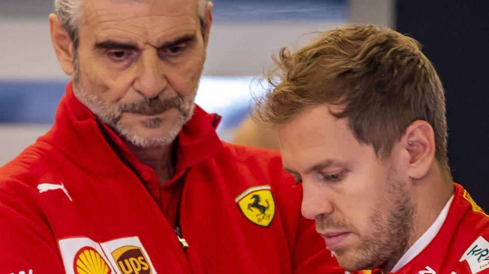 Foto: Maurizio Arrivabene junto a Sebastian Vettel. (EFE)
