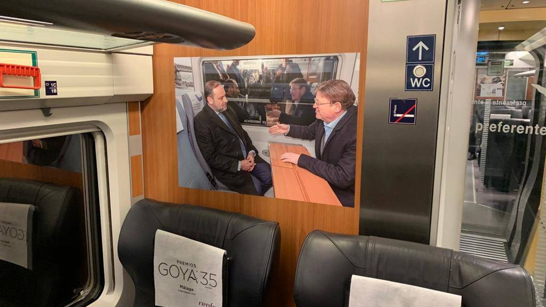 El Gobierno 'adorna' el AVE a Valencia con fotos de políticos y cuela las de Ábalos y Puig