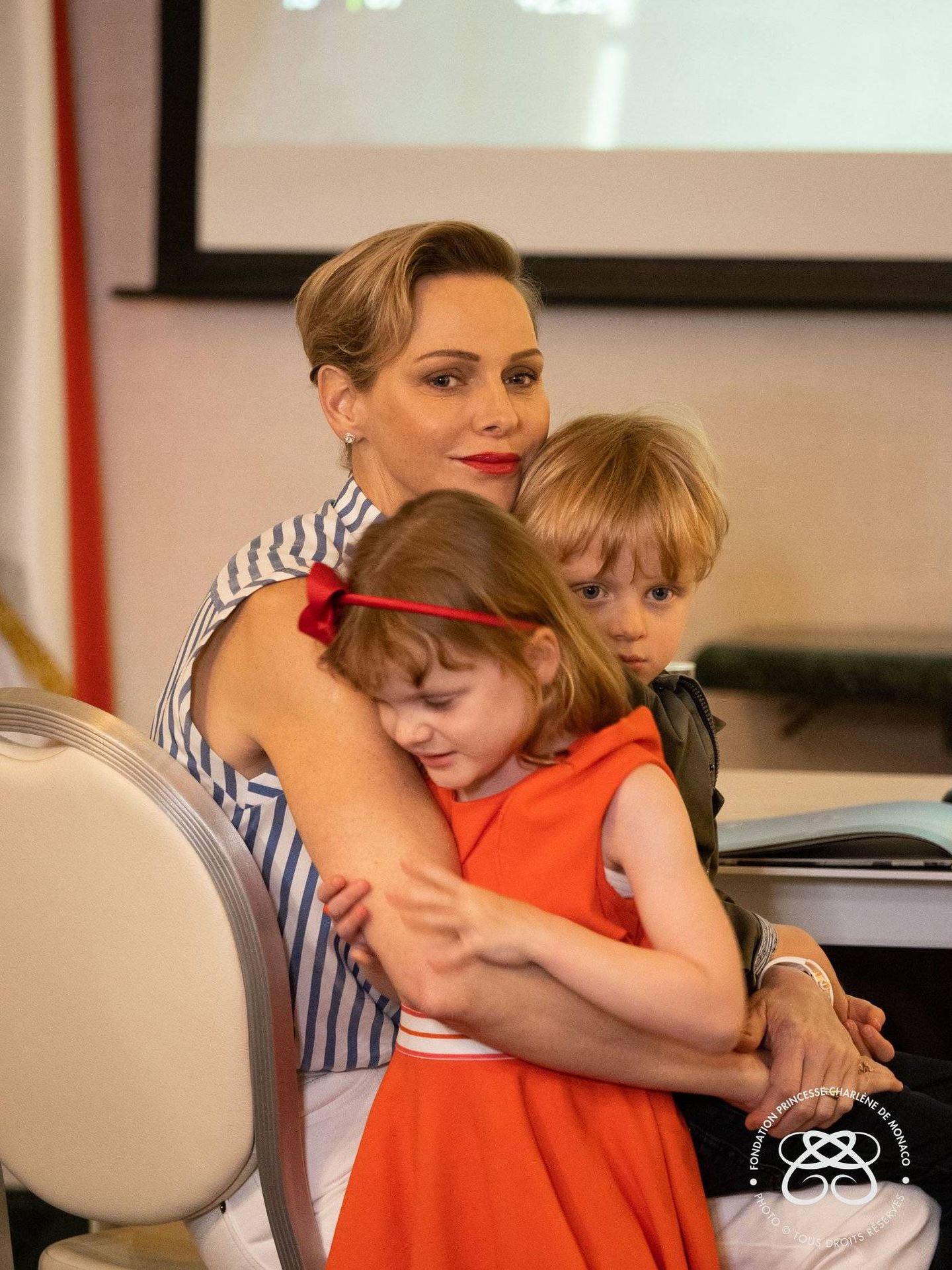 Jacques y Gabriella, junto a Charlène, en junio de 2020. (Fundación Princesa Charlène)