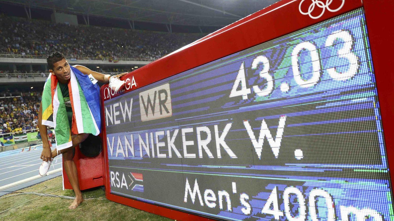 Foto: Van Niekerk es, desde este domingo, recordman del 400 (Kai Pfaffenbach/Reuters).