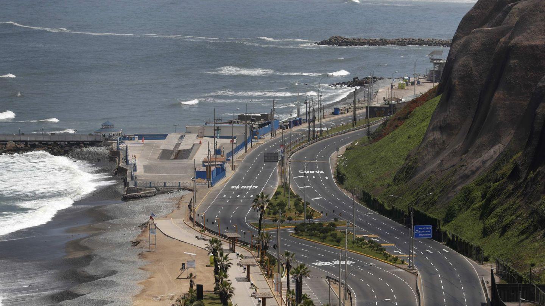 Avenidas vacías este jueves, en Lima (Perú). (EFE)