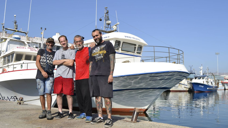 Foto: Cuatro de los tripulantes de esa noche en el Pico Veleta. (M.Z.)
