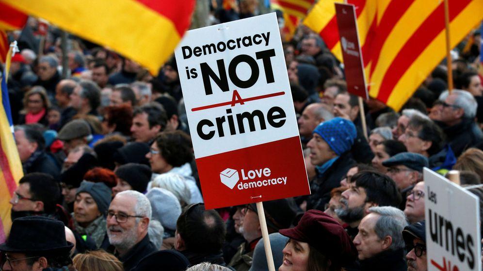 Foto: La manifestación en apoyo a los acusados. (REUTERS)