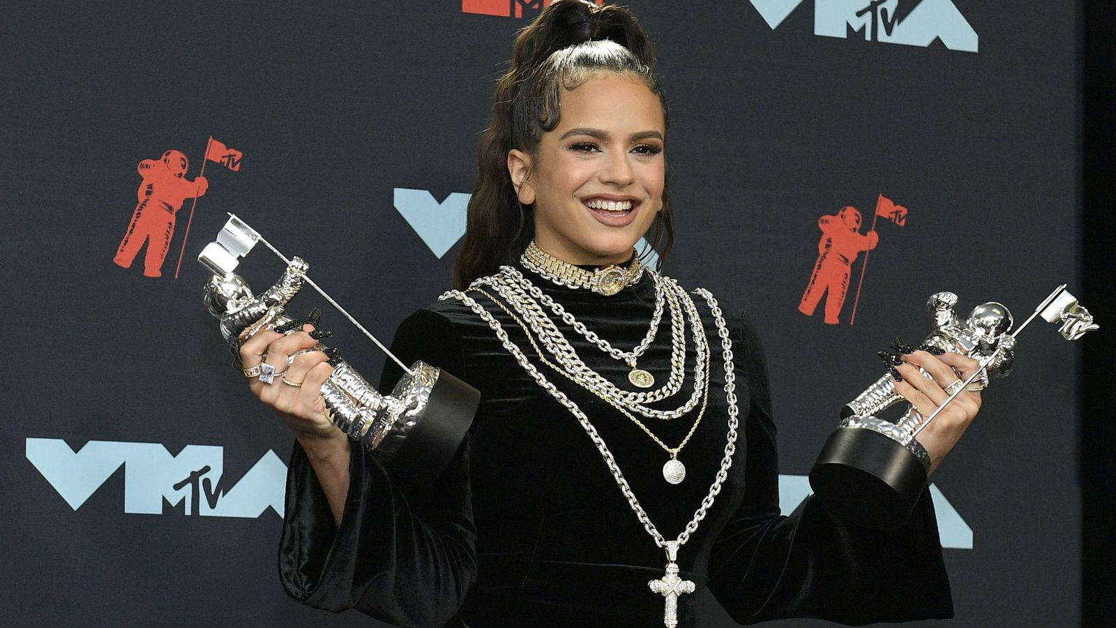 Foto: 'Con altura', la canción de Rosalía junto a J Balvin, ganó el premio a mejor vídeo latino y mejor coreografía en los MTV Video Music Award. (Getty)