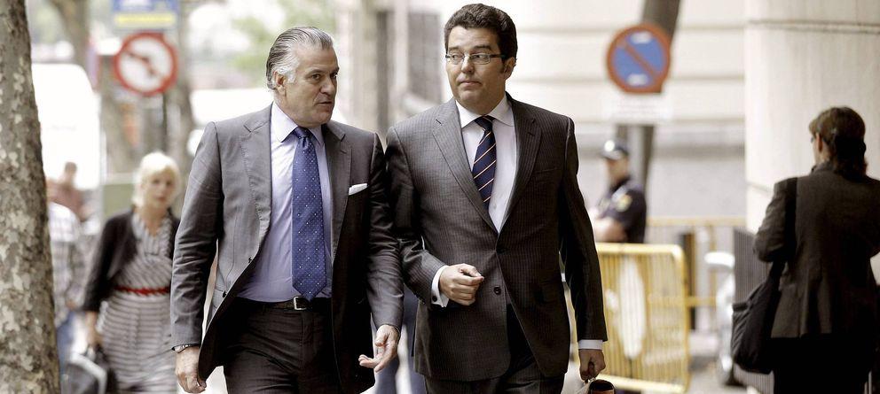Foto: Fotografía de archivo del extesorero del PP Luis Bárcenas (i). (EFE)
