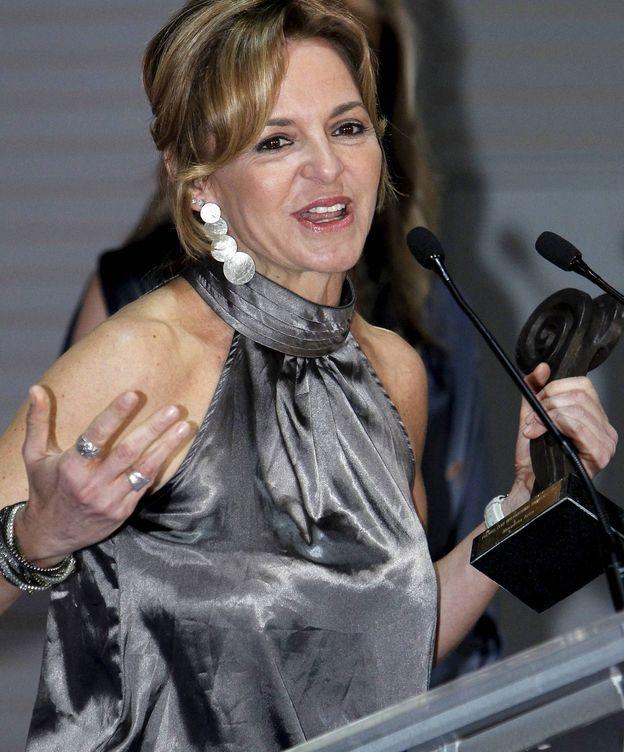 Foto: La periodista Almudera Ariza tras recibir el Premio al mejor Corresponsal Español en el Exterior en 2011. (EFE)