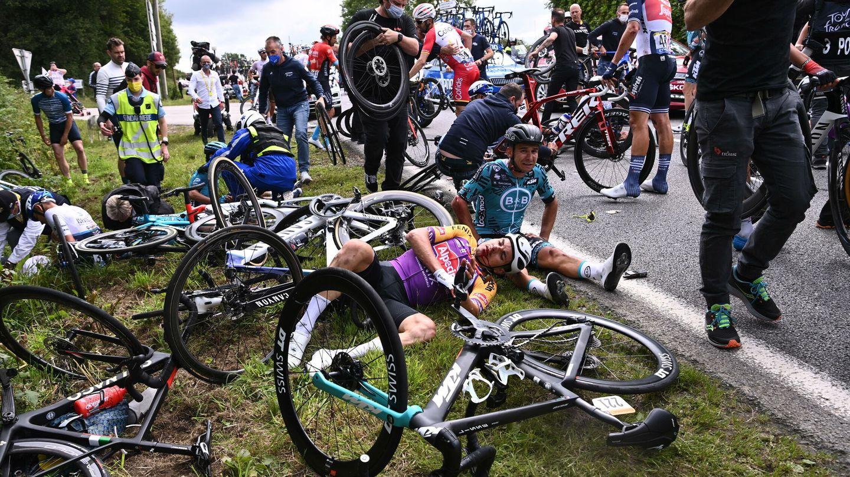 El accidente de la primera etapa. (EFE)