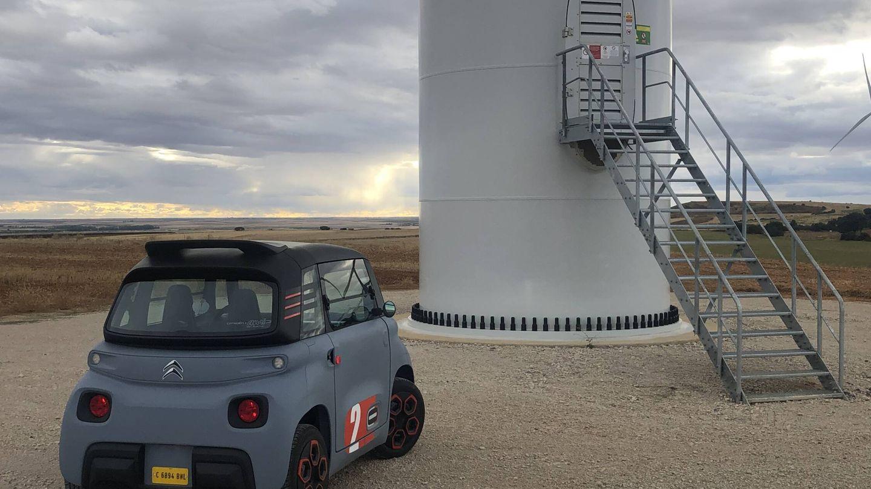 Producción eólica en aumento, porque aquí el viento encuentra pocos obstáculos. Electricidad generada que luego acabará en la batería del Ami.