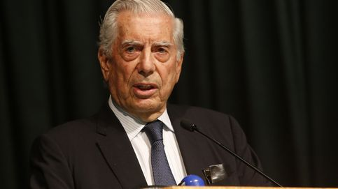 Mario Vargas Llosa, ingresado en un hospital de Madrid tras una caída