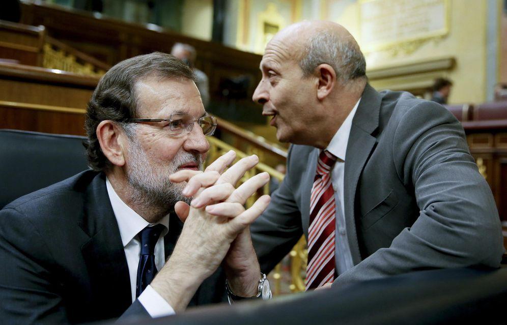 Foto: Rajoy y Wert en el Congreso (EFE)