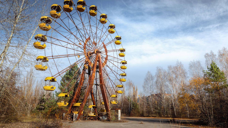 Incautan en Ucrania alcohol hecho con manzanas radiactivas de Chernóbil