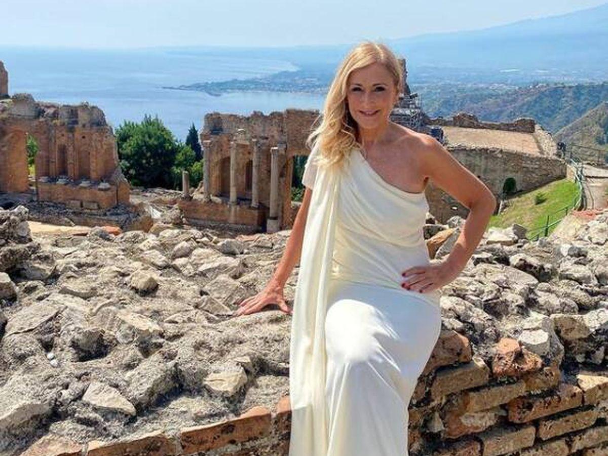 Foto: Cristina Cifuentes, posando en Sicilia. (Instagram @cristinacifuentes)