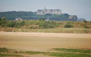 El chiringuito de El Puntal, mar, dunas y buena cocina, en Santander