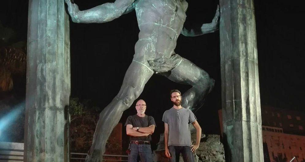 Foto: Los dos periodistas expulsados, anoche, a su llegada a Ceuta (Fuente: Correo Diplomático)