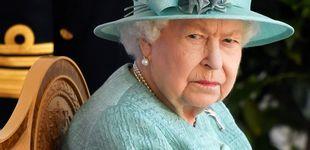 Post de La decisión más difícil para Isabel II: despidos masivos en sus castillos