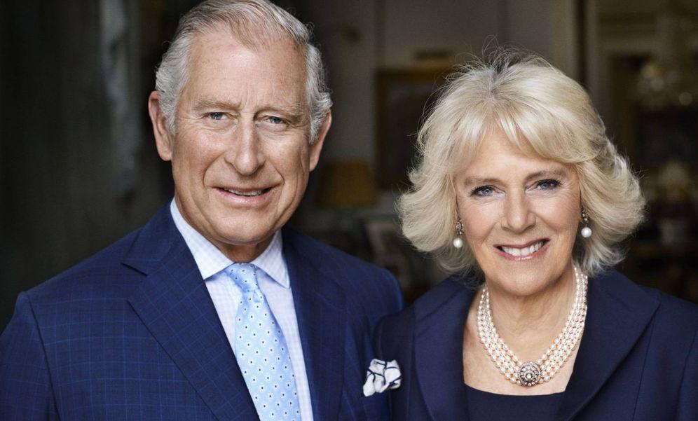Foto: El príncipe Carlos y Camilla Parker Bowles en la imagen de la polémica.