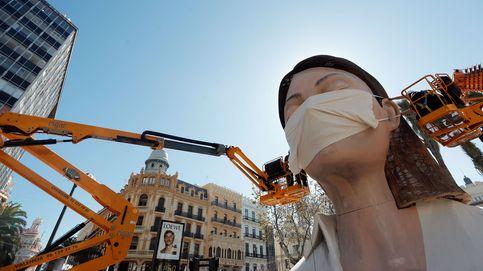 Valencia salva la falla con mascarilla como símbolo contra el coronavirus