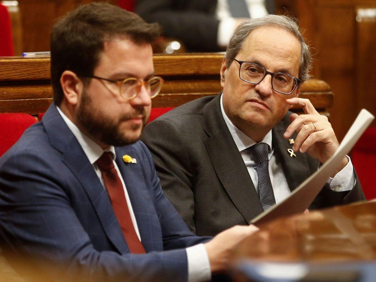 Foto: Pere Aragonès y Quim Torra, presidente de la Generalitat, durante un pleno del Parlament. (EFE)