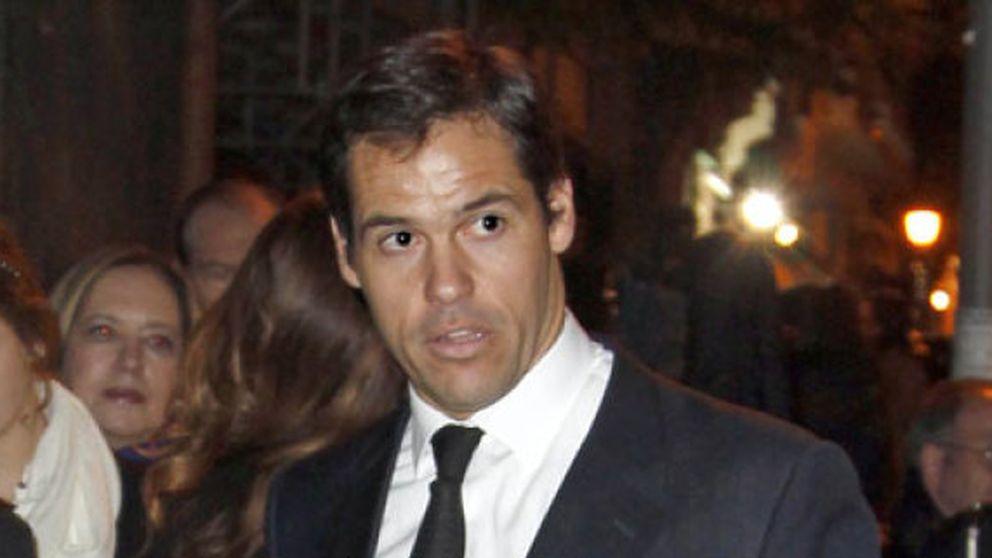 Luis Alfonso de Borbón, harto de las 'movidas' amorosas de su madre