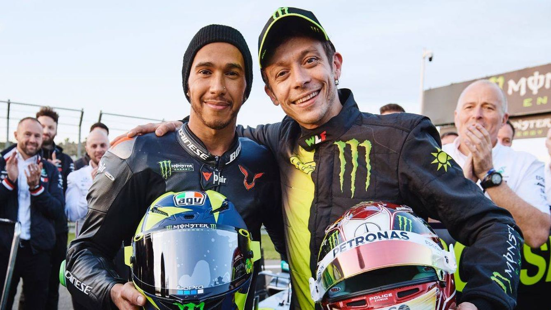 Así fue el intercambio entre Valentino Rossi (MotoGP) y Lewis Hamilton (F1) en Cheste