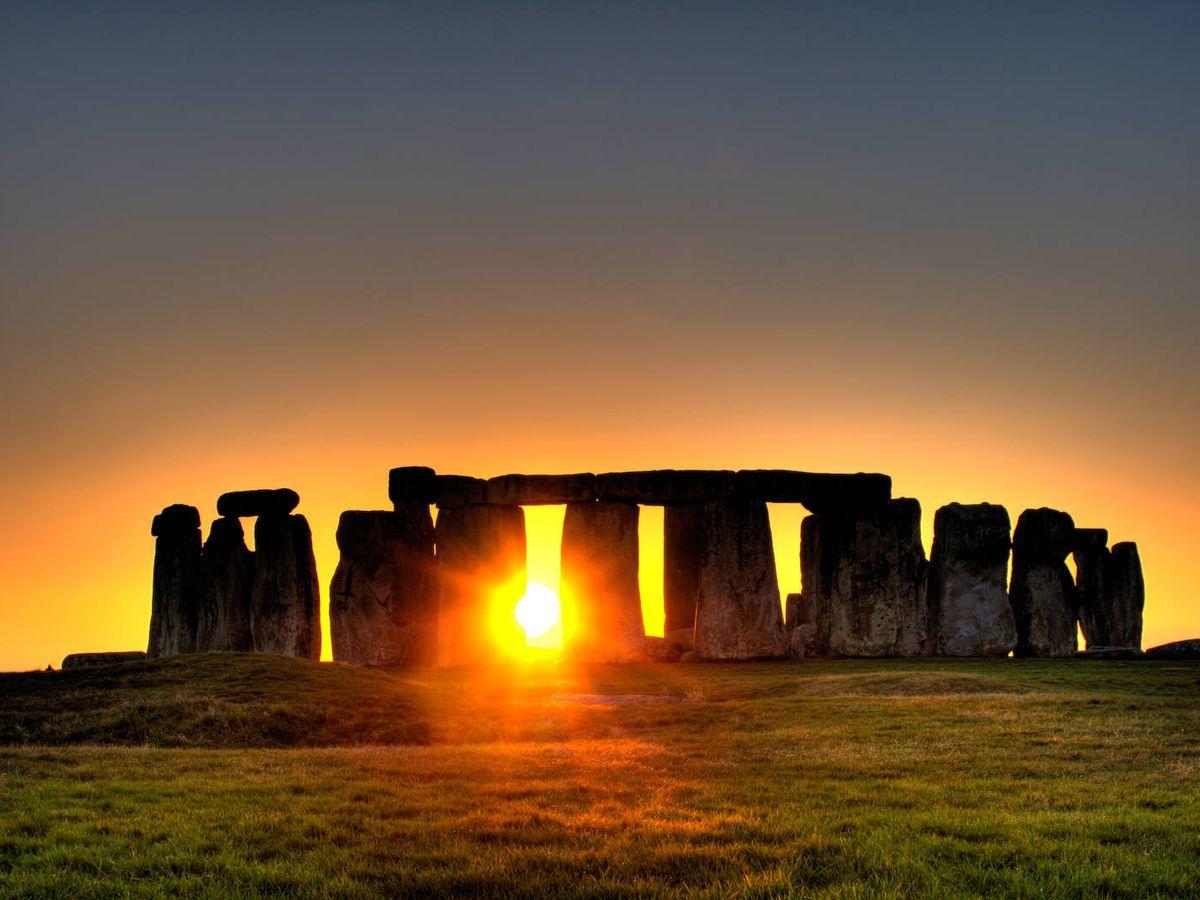 Foto: El complejo monolítico de Stonehenge, construido durante la Edad de Bronce en Inglaterra. (CC/Wikimedia Commons)
